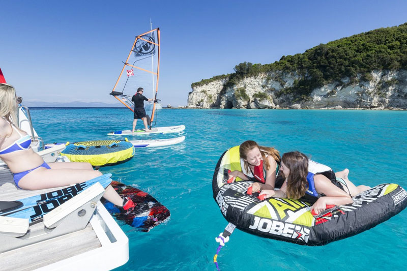 Aurous Lagoon 52 - diYachting - Luxury Yacht Charter
